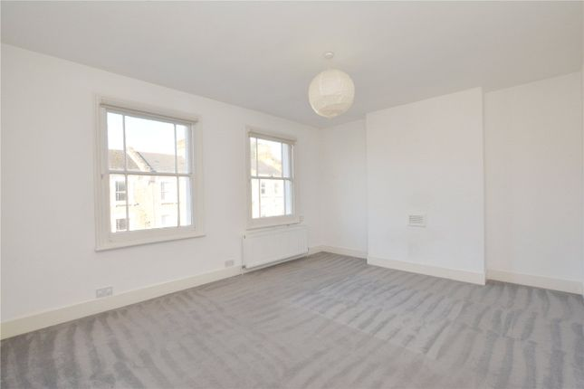 Thumbnail Flat to rent in Quentin Road, London