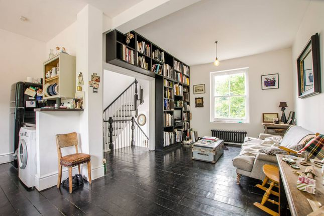 Thumbnail Maisonette to rent in Old Ford Road, Victoria Park, London