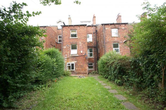 Thumbnail Flat to rent in Cardigan Road, Headingley, Leeds