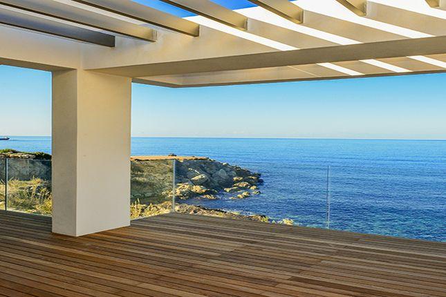 Thumbnail Villa for sale in Chloraka, Chlorakas, Paphos, Cyprus