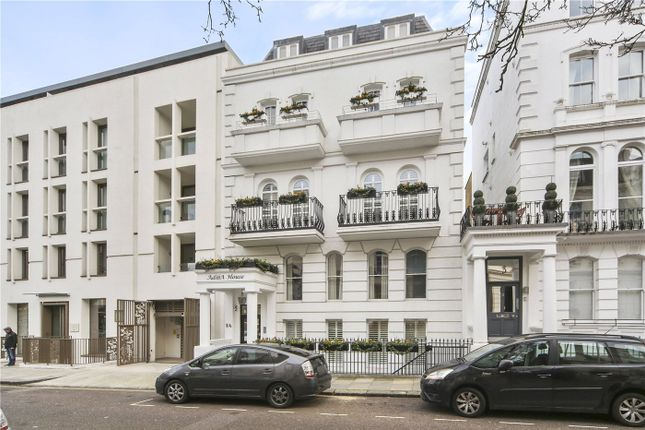 Thumbnail Maisonette to rent in Westbourne Gardens, London