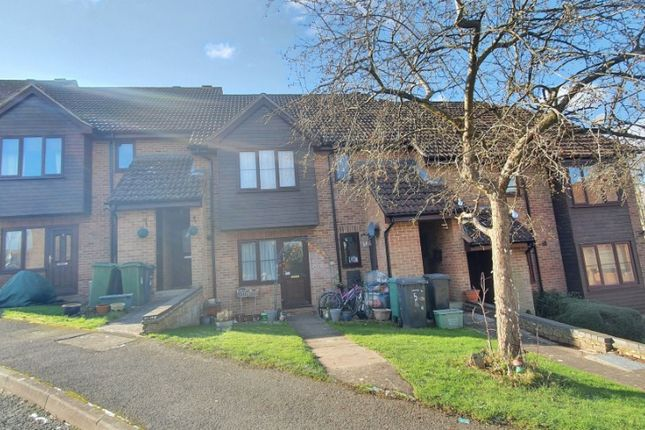 2 bed flat to rent in Linton Close, Tadley RG26