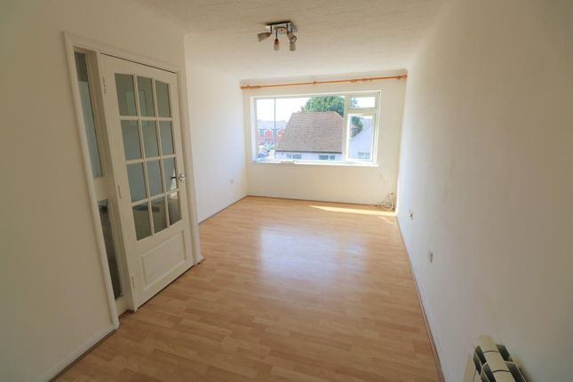 Thumbnail Detached house to rent in Elmgrove Road, Farnborough