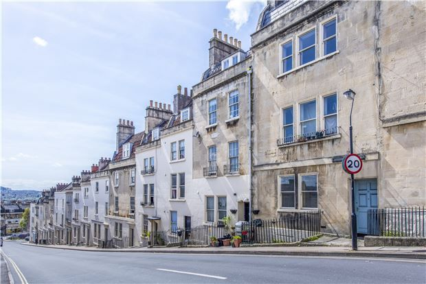 2 bed flat for sale in Morford Street, Bath, Somerset