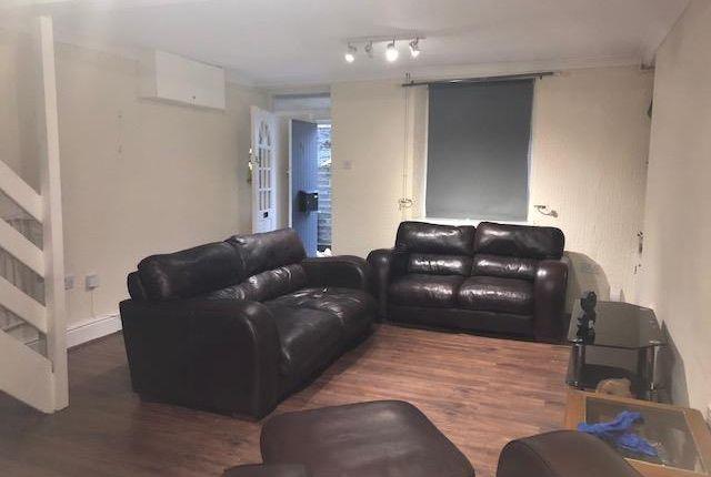 2 bed property to rent in Wood Road, Treforest, Pontypridd CF37