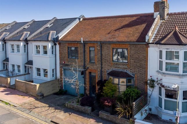 Thumbnail Terraced house for sale in Hythe Road, Brighton