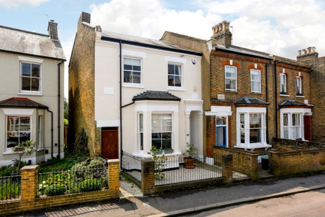 4 bed end terrace house for sale in Oldfield Road, Hampton