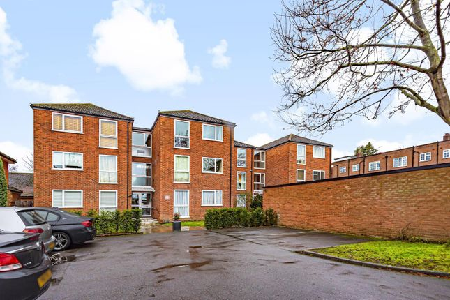 2 bed flat for sale in Blatchford Court, Hersham Road, Walton-On-Thames KT12