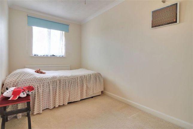 Bedroom 3 of Northfield Close, Clanfield, Waterlooville PO8