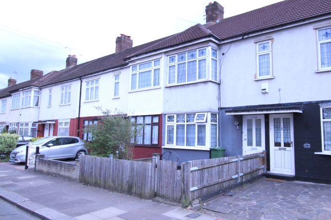 Thumbnail Flat to rent in Henley Road, Ilford