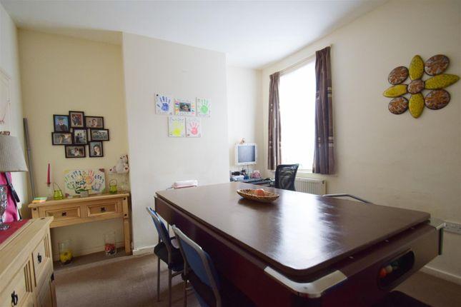 Dining Room of Filey Road, Reading, Berkshire RG1