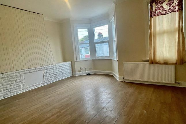 Maisonette to rent in Tillotson Road, London