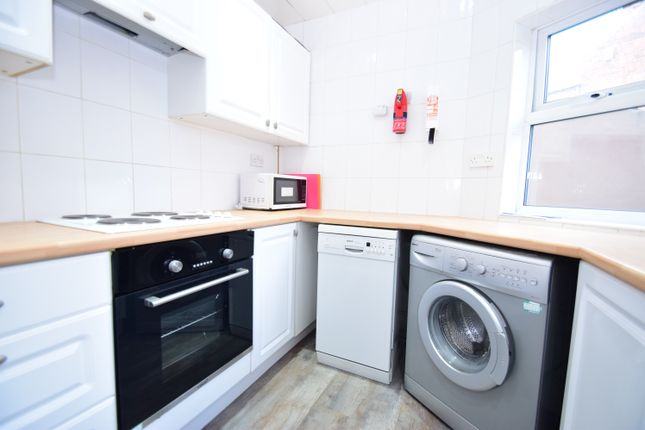 Thumbnail Flat to rent in Windsor Terrace, South Gosforth