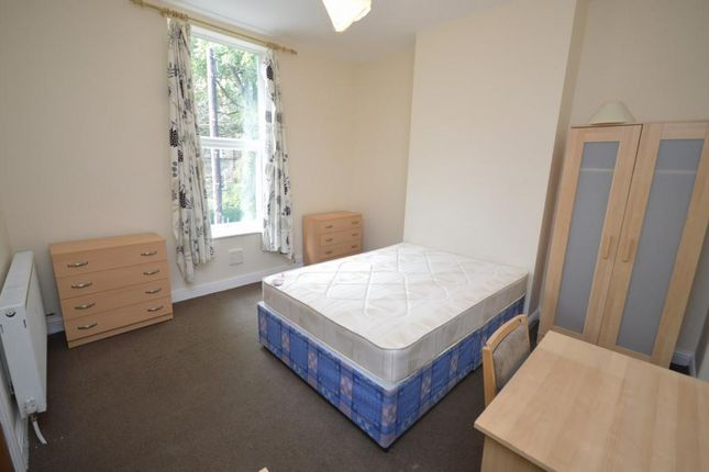 7 bed terraced house to rent in Wharncliffe Road, Sheffield