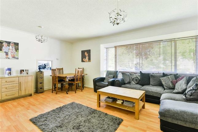 Thumbnail Flat for sale in White Lodge Close, Sutton