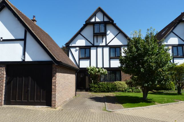 Thumbnail Detached house for sale in Aragon Close, The Ridgeway, Enfield