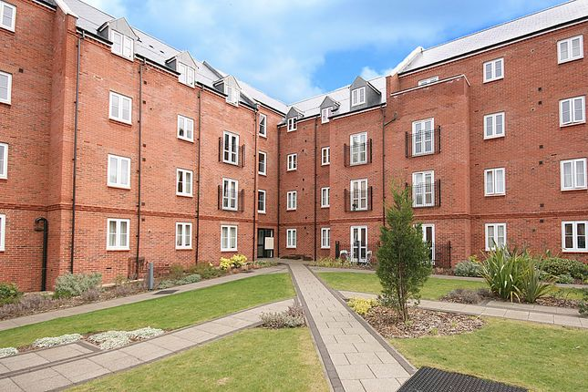 Thumbnail Flat to rent in Cherwell Court, Banbury