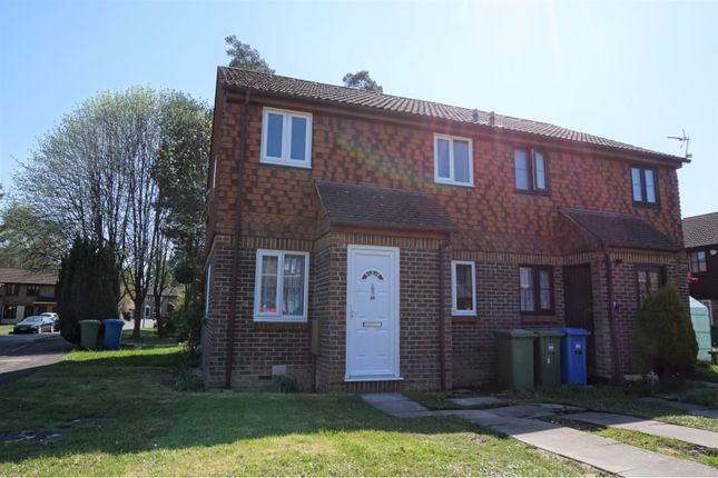 Thumbnail Terraced house for sale in Charterhouse Close, Bracknell