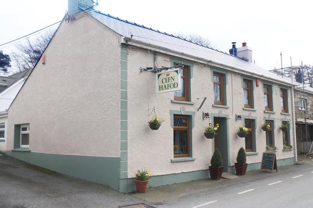 Thumbnail Pub/bar for sale in Gorsgoch, Llanybydder