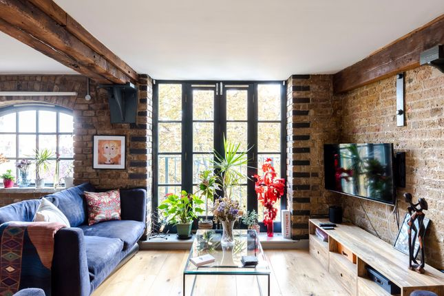 Thumbnail Duplex to rent in Deal Street, London