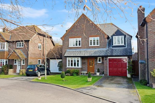 4 bed detached house for sale in Churchward Close, Grove, Wantage