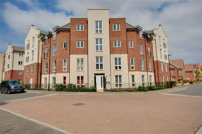 Thumbnail Flat for sale in Stephenson Court, 19 Cambrian Way, Worthing, West Sussex