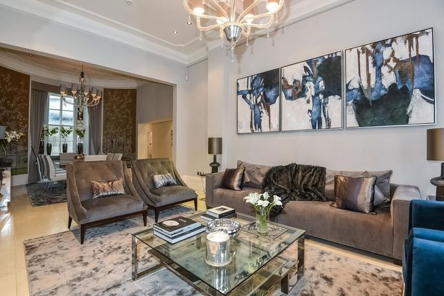 Thumbnail Maisonette to rent in Gloucester Square W2,