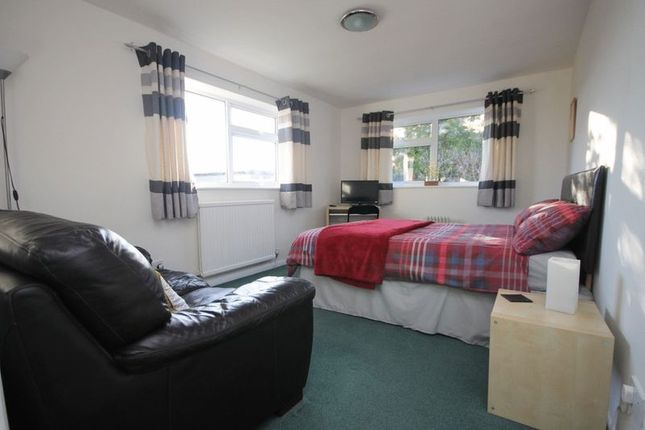 Annexe Bedroom/Sitting Room