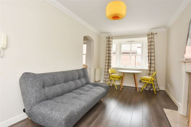 Thumbnail Flat to rent in St. Andrew Place, York