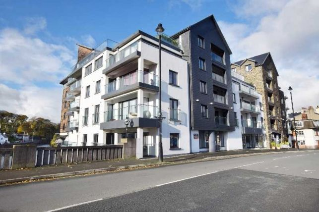 Thumbnail Flat for sale in Quay West, Douglas