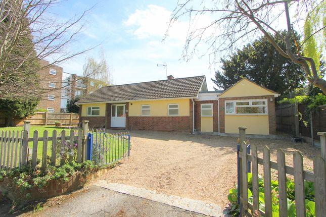 Thumbnail Detached bungalow for sale in Hawthorn Road, Wallington