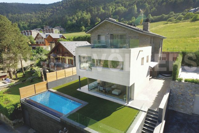 Thumbnail Chalet for sale in La Massana, Andorra