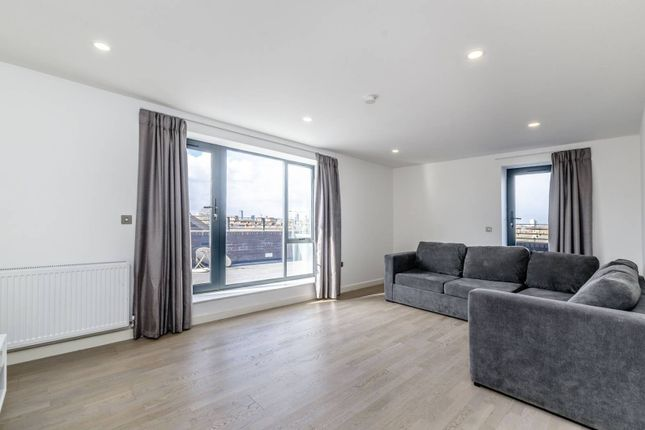 Thumbnail Flat to rent in Butchers Road, Canning Town