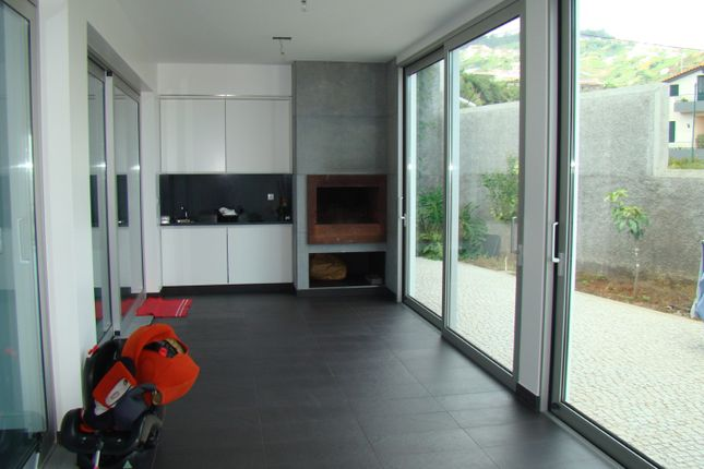 Indoor Bbq And Entertainment Area