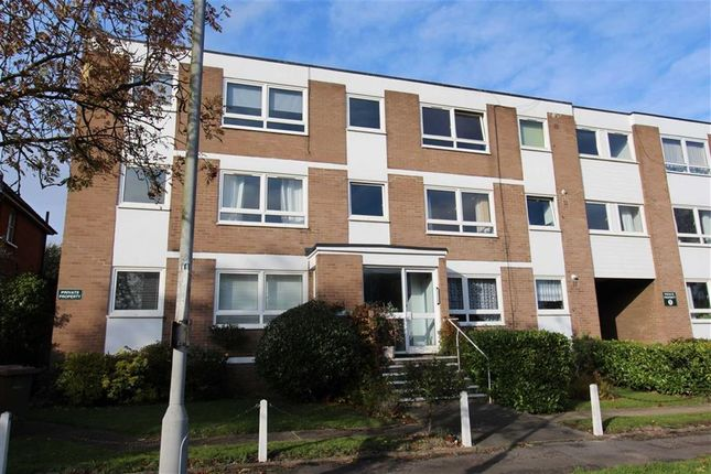 Thumbnail Flat for sale in Eglington Road, North Chingford, London