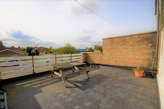 Thumbnail Flat to rent in Turners Place, Holmer Green, High Wycombe