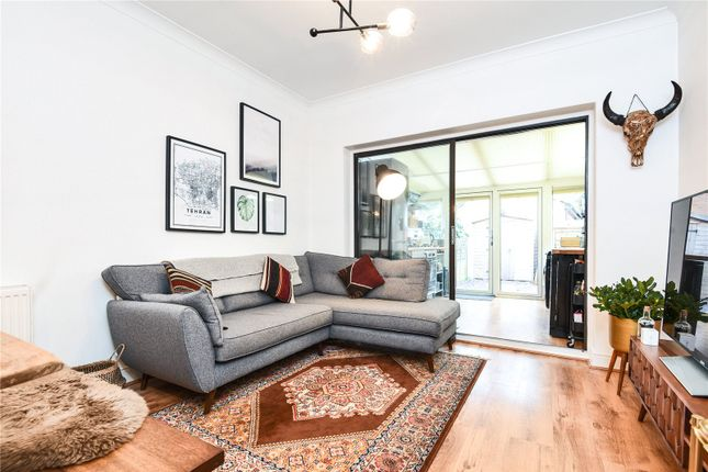Thumbnail Maisonette for sale in Oakfield Road, Southgate, London