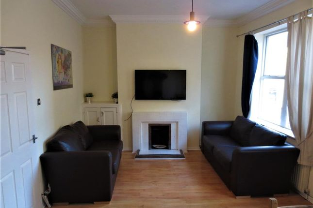 Thumbnail Shared accommodation to rent in Westgate Road, Newcastle Upon Tyne, Tyne And Wear