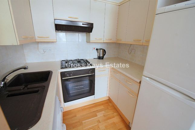 Fitted Kitchen of Gascoyne Place, Plymouth PL4