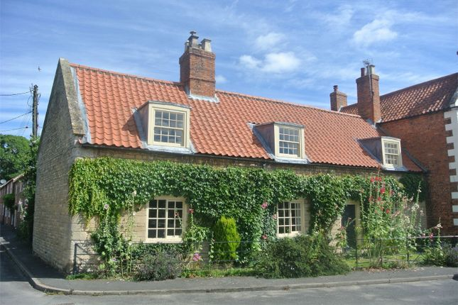 Thumbnail Cottage for sale in High Street, Osbournby, Sleaford, Lincolnshire