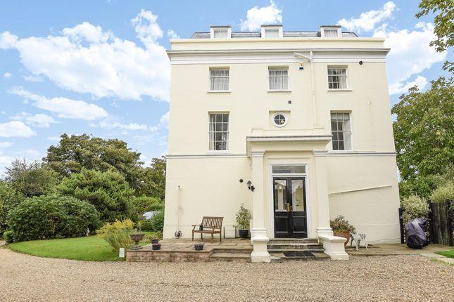 Thumbnail Flat to rent in Grove Hill Gardens, Tunbridge Wells