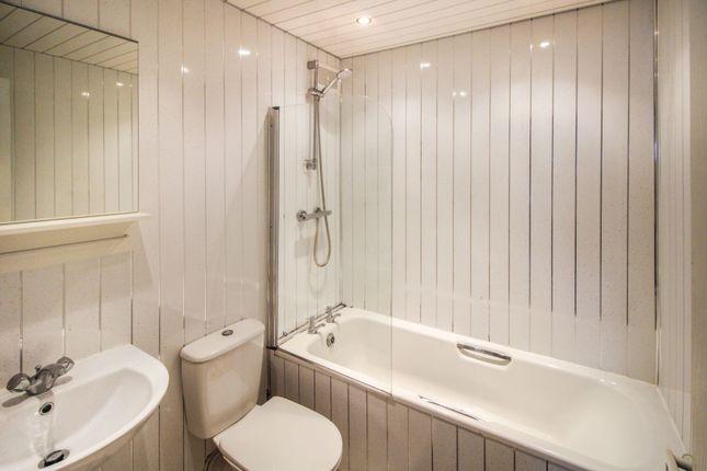 Bathroom of 5 Arrochar Street, Glasgow G23