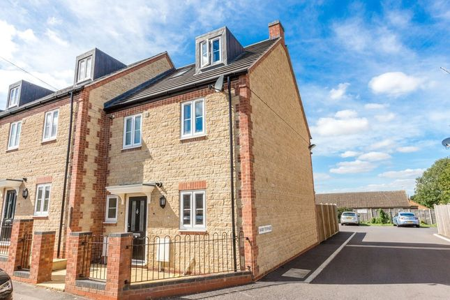 4 bed end terrace house for sale in Saffron Road, Higham Ferrers, Rushden