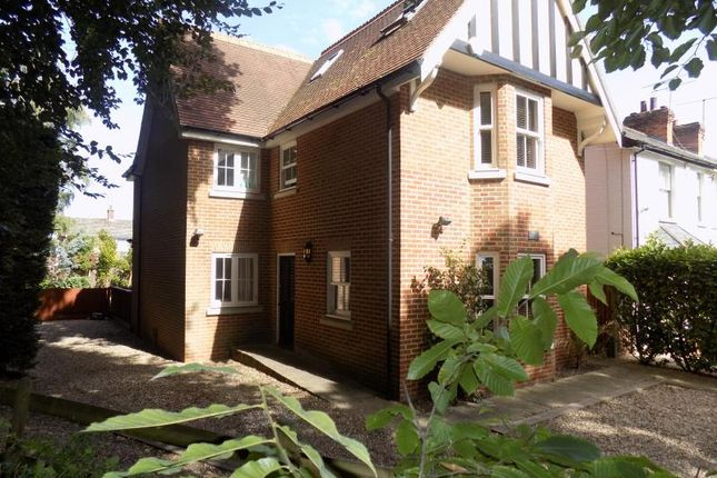 Thumbnail Detached house to rent in Woodlands Road, Farnborough, Hampshire