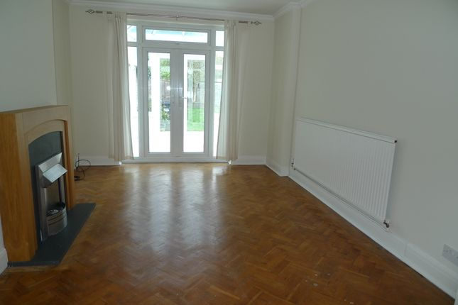 Thumbnail Semi-detached house to rent in Milwood Road, Hounslow