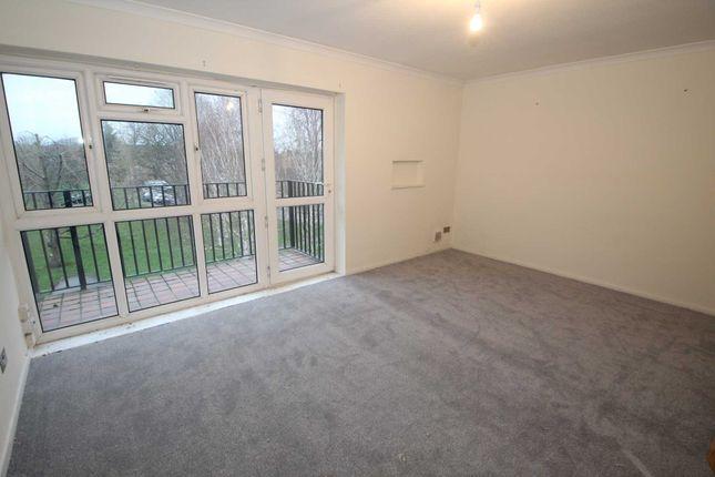 Thumbnail Flat to rent in Longlands, Hemel Hempstead Industrial Estate, Hemel Hempstead