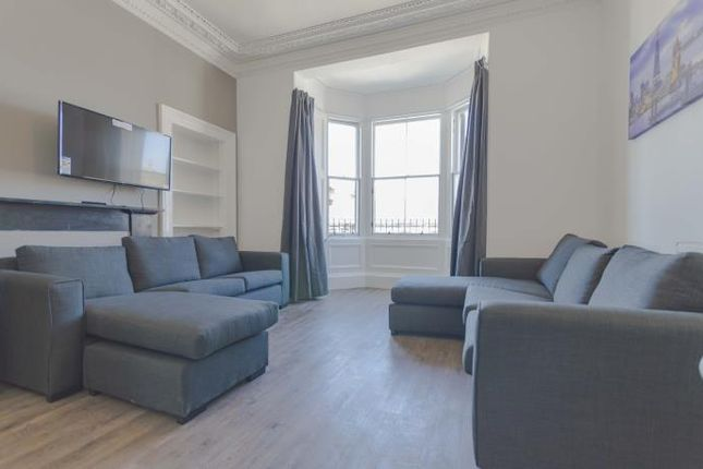 Thumbnail Flat to rent in South Clerk Street, Edinburgh