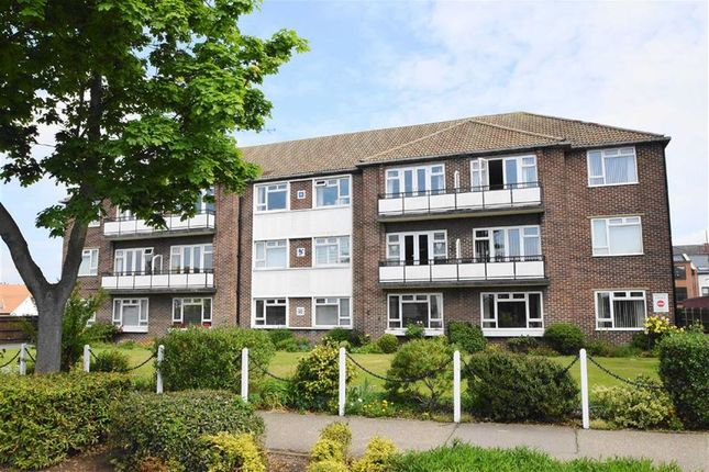 Thumbnail Flat for sale in Imperial Avenue, Westcliff-On-Sea, Essex