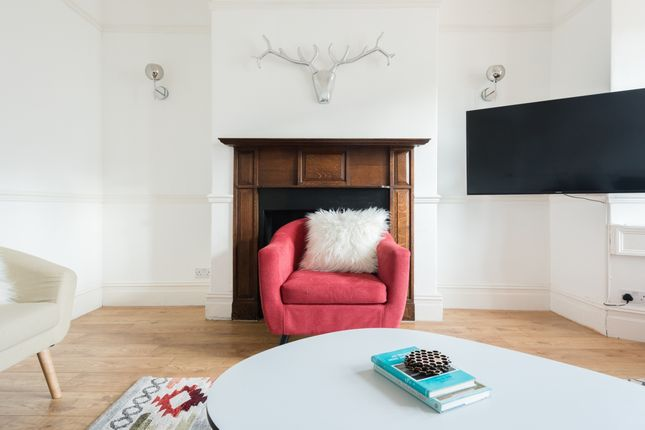Thumbnail Flat to rent in Crescent Gardens, Bath