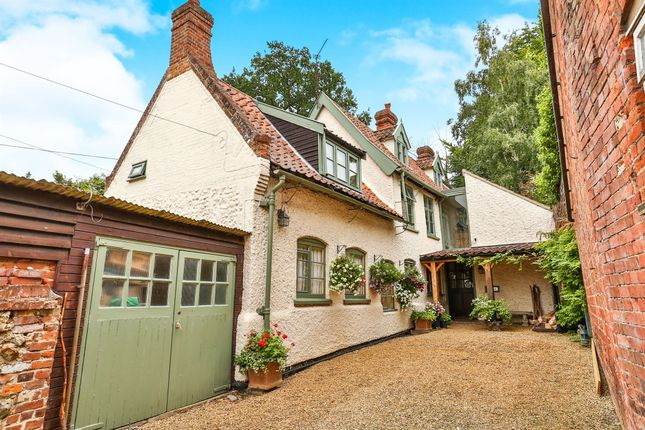 Thumbnail Property for sale in High Street, Coltishall, Norwich